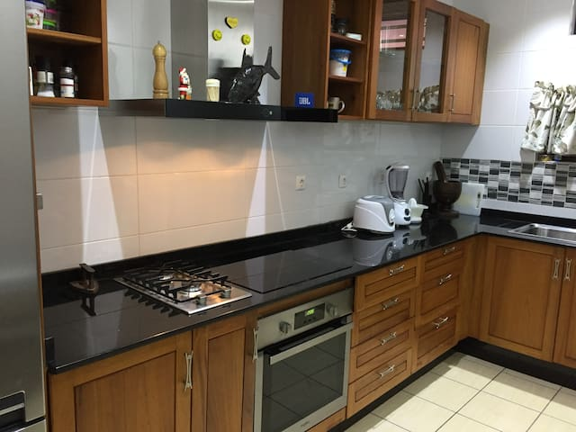 Apartment euro style - standard, central in Beira.