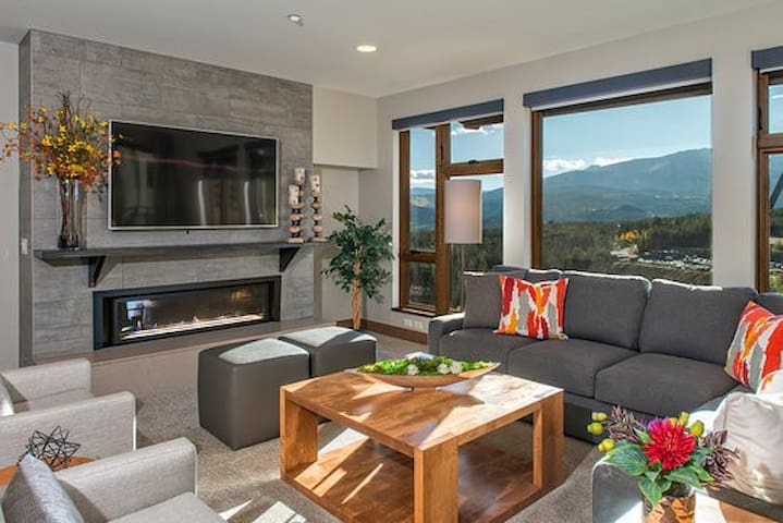 Grand Colorado on Peak 8 -Luxury One Bedroom Condo
