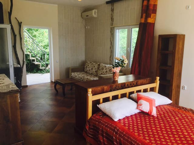 Grape Villa - two roomed apartment  Kruce