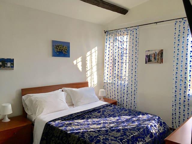 Camera con terrazza privata e bagno privato