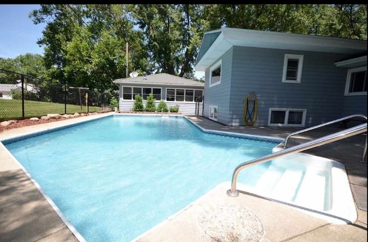 Spacious home with huge deck & swimming pool!