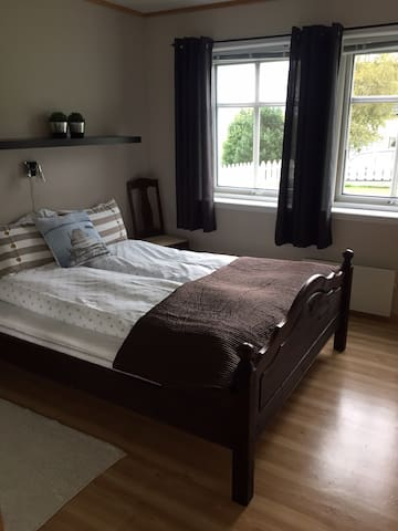 Bedroom 1 with doublebed