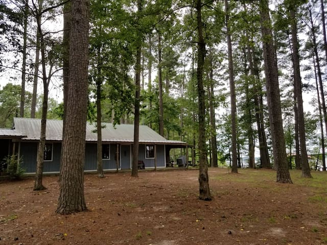 Toledo Bend Lake Front Camp House