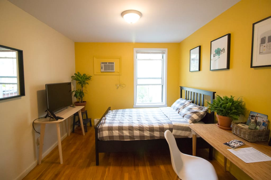 Beautiful hardwood floors, super-comfy bed, and tons of natural light.