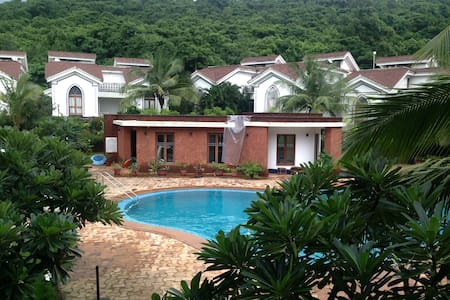 09 Pool facing apt close 2 Baga, Riviera Foothills
