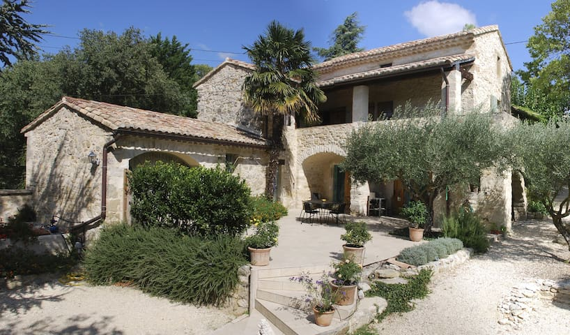 Charming cottage with private pool (Uzes-10km)