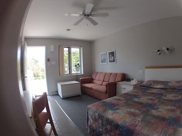 Chambre privée de type Motel - Tadoussac - Andre