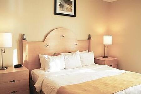 3 Bedroom Deluxe Ocean Front Condo - Myrtle Beach - Kondominium