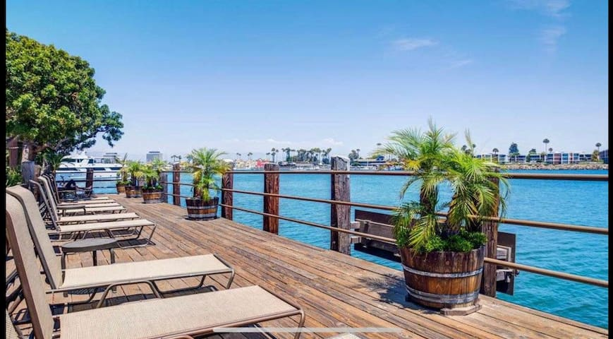 Luxury Studio Marina Del Rey/Free Parking
