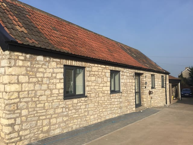 Little Kings Newly Refurbished Detached Annexe - Bath and North East Somerset - Dom