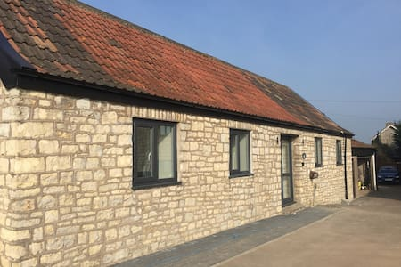 Little Kings Newly Refurbished Detached Annexe - Bath and North East Somerset - Дом