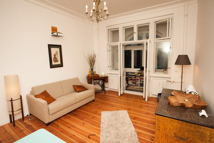 Lovely renovated apartment with loggia in Wedding
