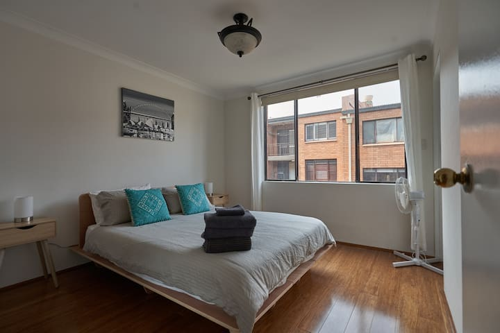 Peaceful Inner City Surry Hills Apartment