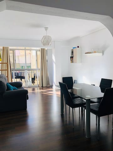 3beds modern and cozy apartment near Benimaclet