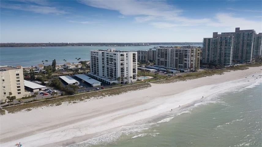 Beautiful Sand Key Beach Condo