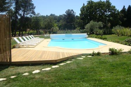 Belle maison avec piscine - Uchaux