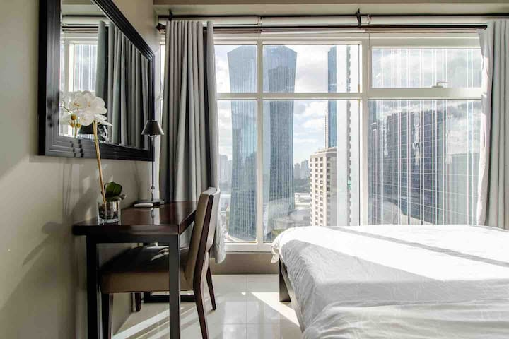 Room with a View!  1BR Ortigas +WIFI (CUR24A)