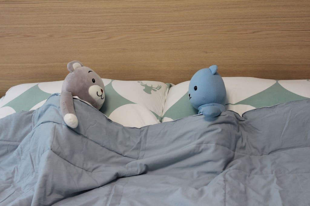 1.8大床,可睡2人