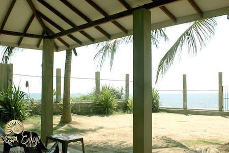 Beach villa, Negambo - เนกอมโบ - วิลล่า