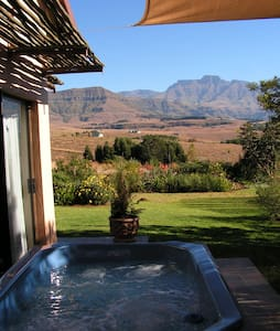 Ama Casa Cottages - Luxury Accommodation - Giants Castle Game Reserve - Bungalow