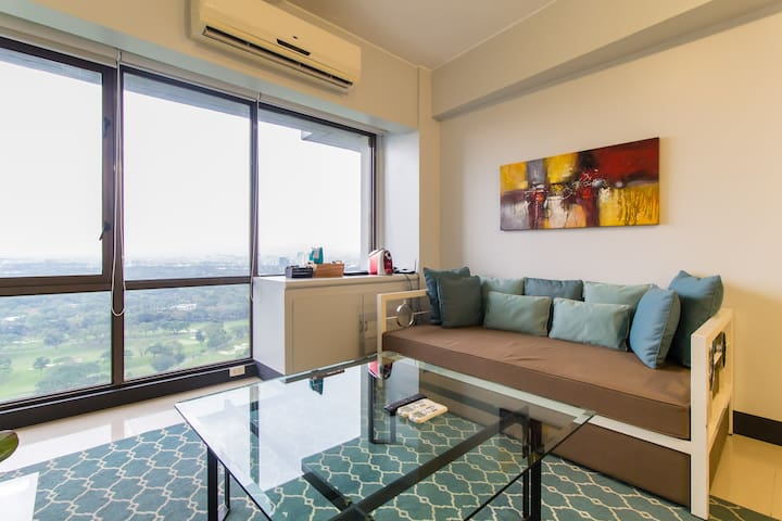 1Bedrm Premium Apt -Golf & Sunset view 50MBPS WiFi