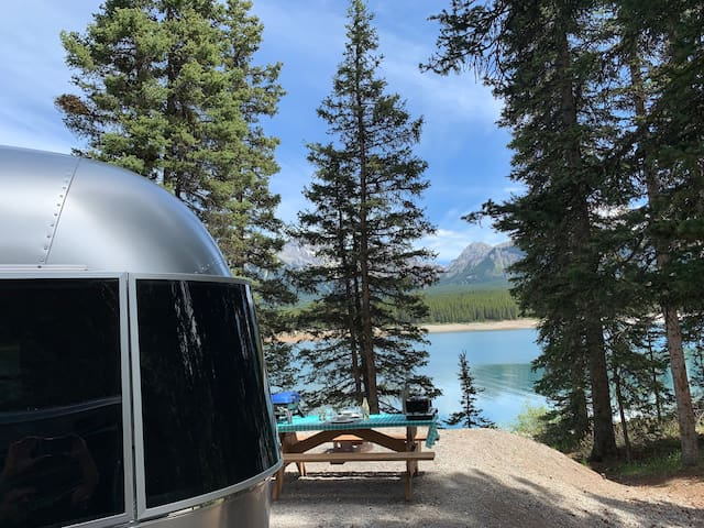 ***AIRSTREAM GLAMPING IN THE ROCKIES***