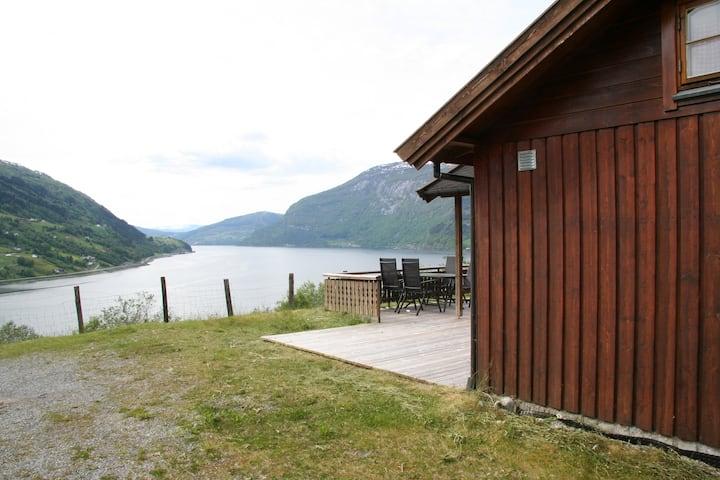 Hytte med utsikt over Nordfjord