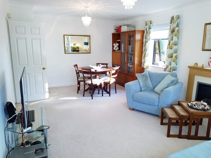 Large bedroom in central Winchester