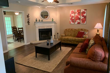 WATER&POWER|Comfortable South LC Home near Casinos