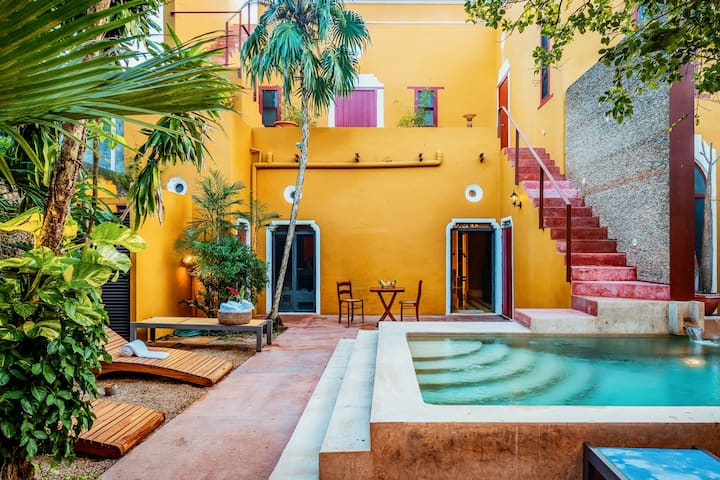 Casa de los Artistas: Unique views and pool
