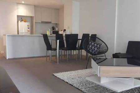 Private room with balcony access - Homebush West