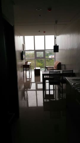 2BR suite next to Robinson's Mall - Bacolod - Apartment