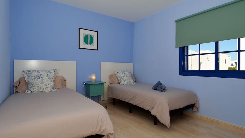 Dormitorio 2 (2 camas individuales 1,05x2m)