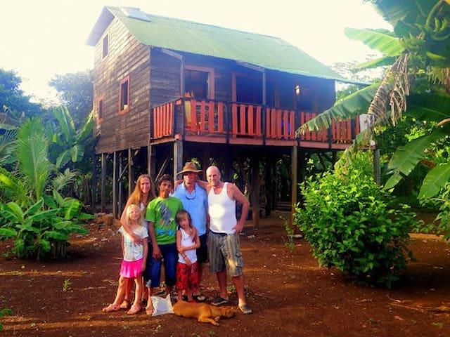 Casa Familia. Dobedo. Little Corn Island.