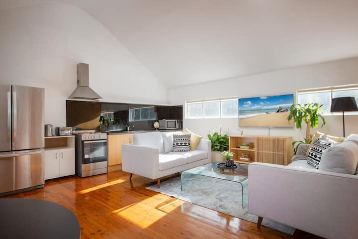 Sunlit Two-Bedroom Unit With Sprawling BBQ Deck