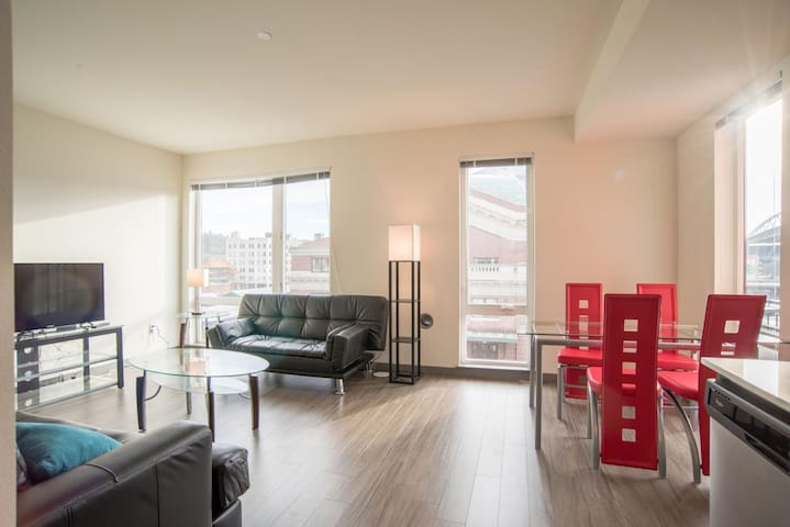 Luxurious 1BR Suite in Seattle