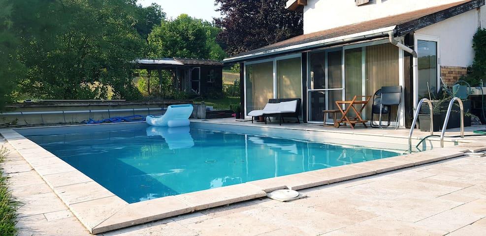 Maison à la campagne, 140m2, piscine privée 10x5