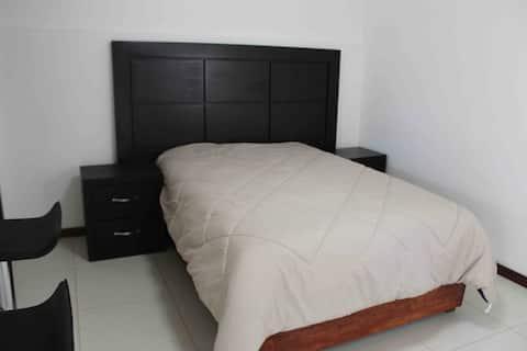 Apartamento independiente con TODOS los servicios