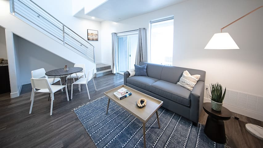 Kasa | Salt Lake City | Exquisite 1BD/1BA Downtown Apartment