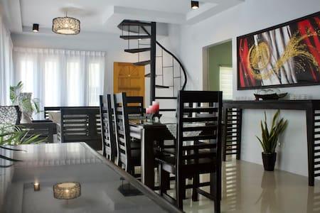 Cozy & Spacious 2 BR Apartment w/ Loft