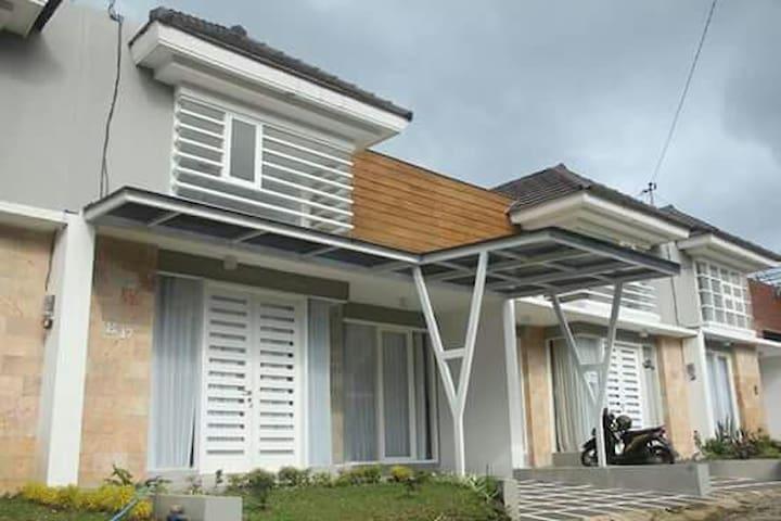 villa frengky