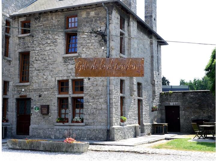 """Gîte de """"la dépendance"""" - Ferme Château de Laneffe"""