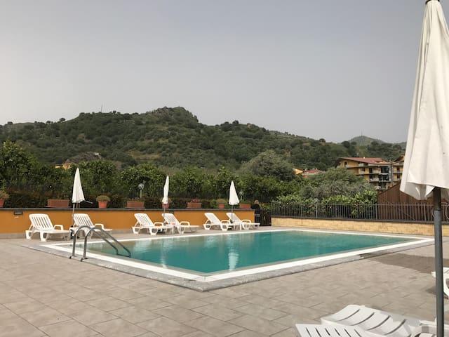 TAORMINETNA villa with nice pool