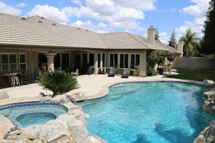 Gated 5️GardenView WIFI/AppleTV/Pool/Wash&Dry - Bakersfield - Haus