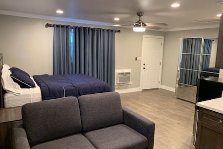Newly Built Spacious Studio close to Stanford