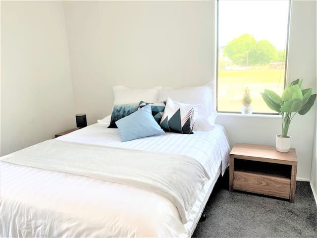 1 bedroom apartment - Best central city location