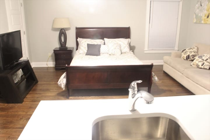 Beautiful studio in ATL close to Downtown/Airport