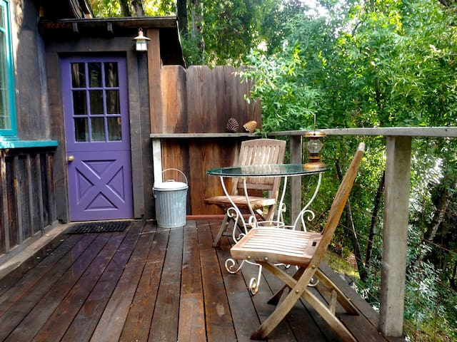 Cozy, rustic studio by the river - Carmel Valley - Huoneisto