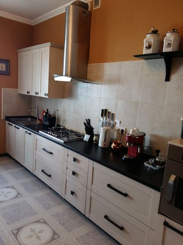 Spacious 3 bedroom house with garden