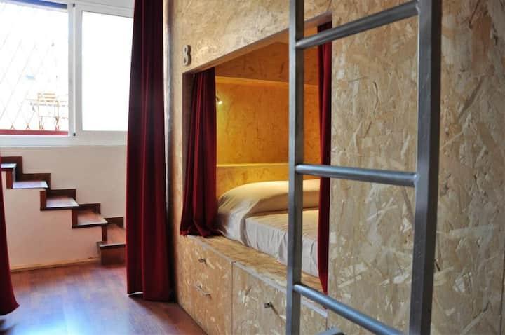 Cama (F.1) habitación compartida femenina de 4